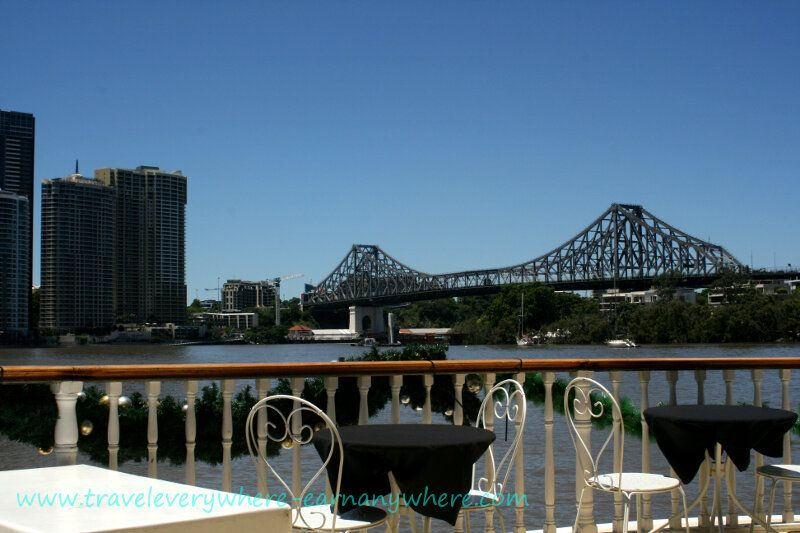 Many fine eating places line the Brisbane River with some beautiful views